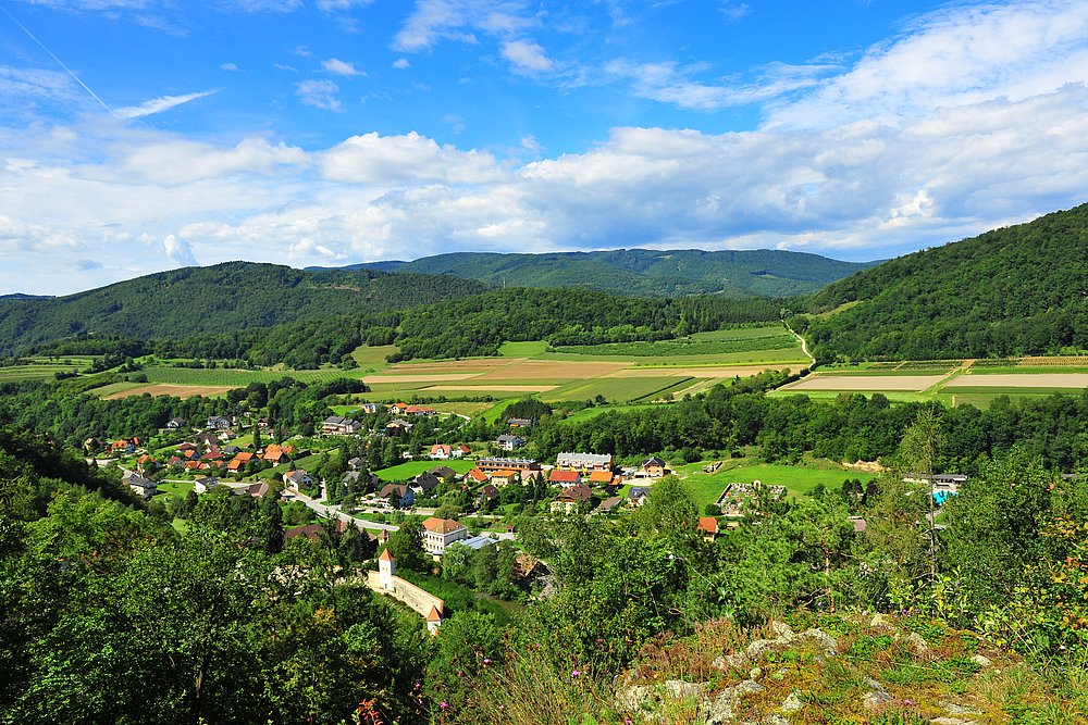 [Translate to English:] Ausblick vom Kalvarienberg in Aggsbach